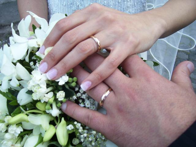 ماسر خاتم الزواج والإصبع الرابع ؟؟