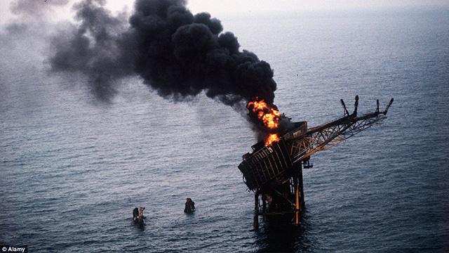أخطر كوارث منصات حفر آبار النفط