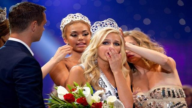 هاكر ينشر صور فاضحة لملكة جمال المراهقات بأمريكا بعد اختراق كاميرات الويب
