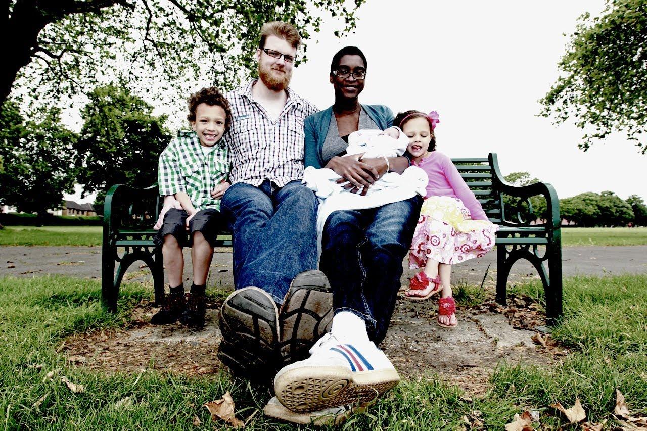 """""""صور"""" أطول عائلة في العالم"""