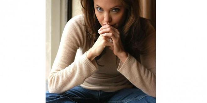 انجلينا جولي تصاب بإنهيار عصبي