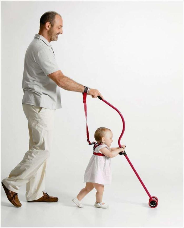 عصا لمساعدة الأطفال بالمشي