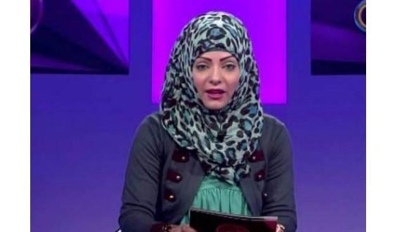 """مذيعة تونسية تهدد شقيق الفنانة"""" لطيفة"""""""