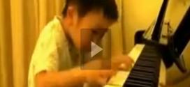 أصغر عازف بيانو في العالم