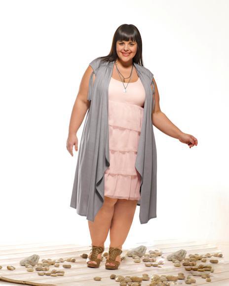 أزياء مميزة جداً للمرأة البدينة