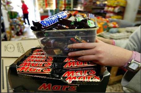 سحب شوكولاتة مارس وسنكرز من المتاجر