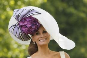 قبعات غريبة للفتيات