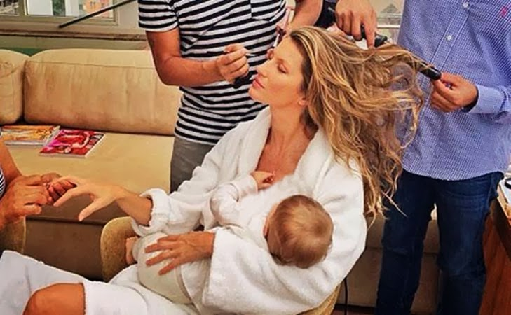 جيزيل بندشن ترضع ابنتها أثناء تحضيرها لجلسة تصوير لإحدى المجلات