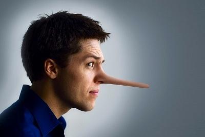 أكثر عشر كذبات يكذبها الرجل على المرأه
