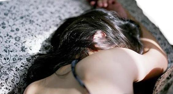 الفيسبوك يتسبب بإغتصاب جماعي لفتاة بريطانية تبلغ 14 عاماً!!!