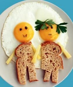 تقديم البيض مع التوست