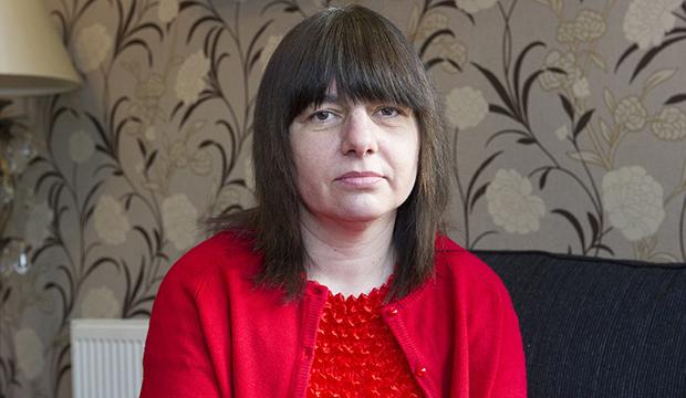 امرأة تعاني من الحازوقة منذ 11 عام