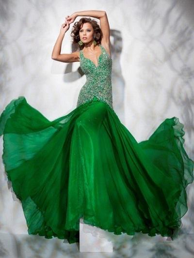 فستان اخضر جميل