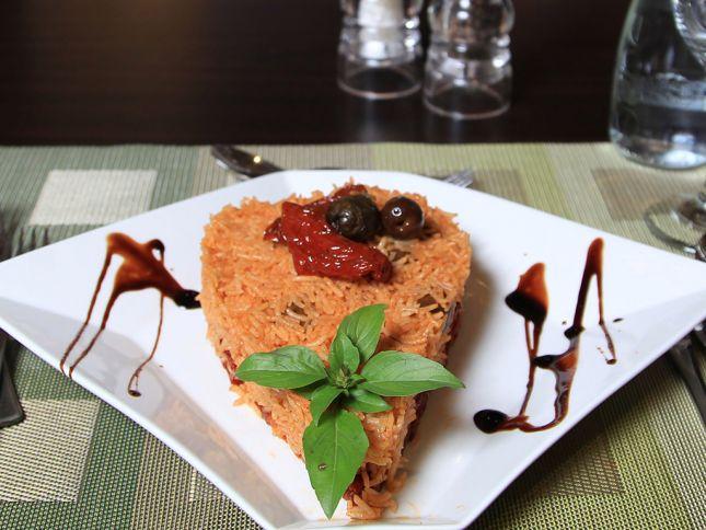 الأرّز الإيطالي الحار مع الزيتون الأسود